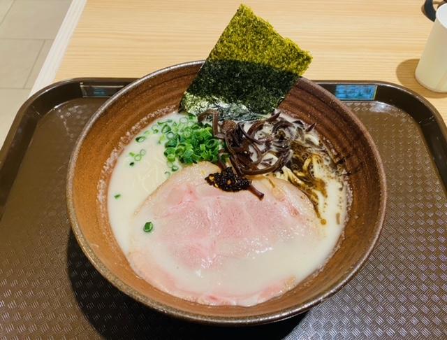 八甲田麺業Rの王道豚骨らーめん
